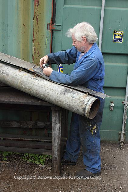 IMG_4863 pete and air intake pipe 20120812 web