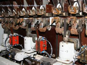 Field divert contactors and tips